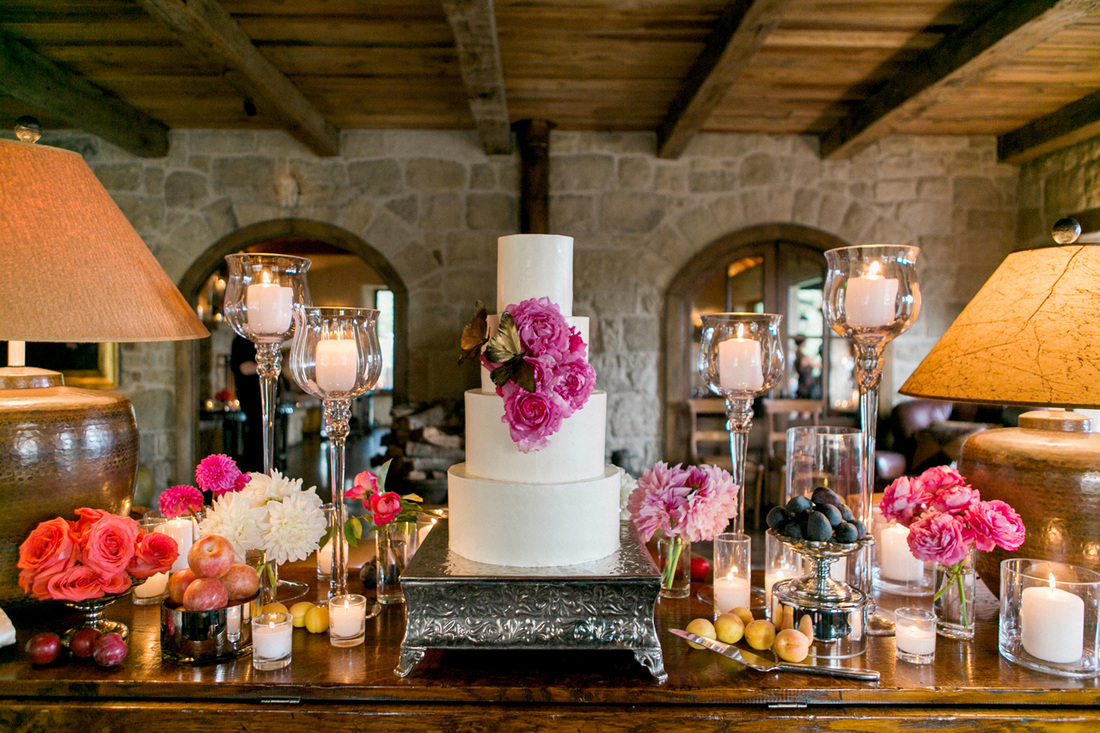 Wedding Cake Table - San Ysidro Ranch w/ Rosemary Events & Sillapere