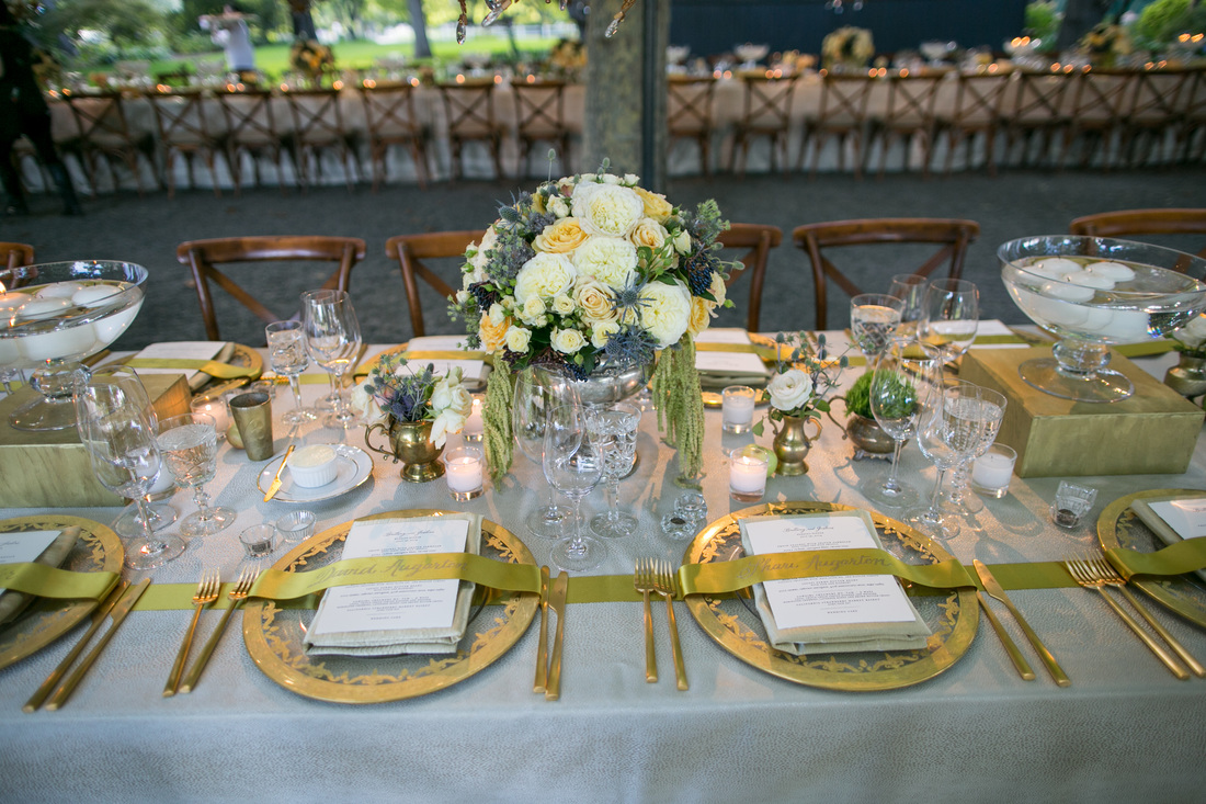 www.rosemaryevents.com, 24K Gold Chargers, Gold ribbon Placecards, Napa Valley Wedding, Beaulieu Garden,  Samuel Lippke Photo