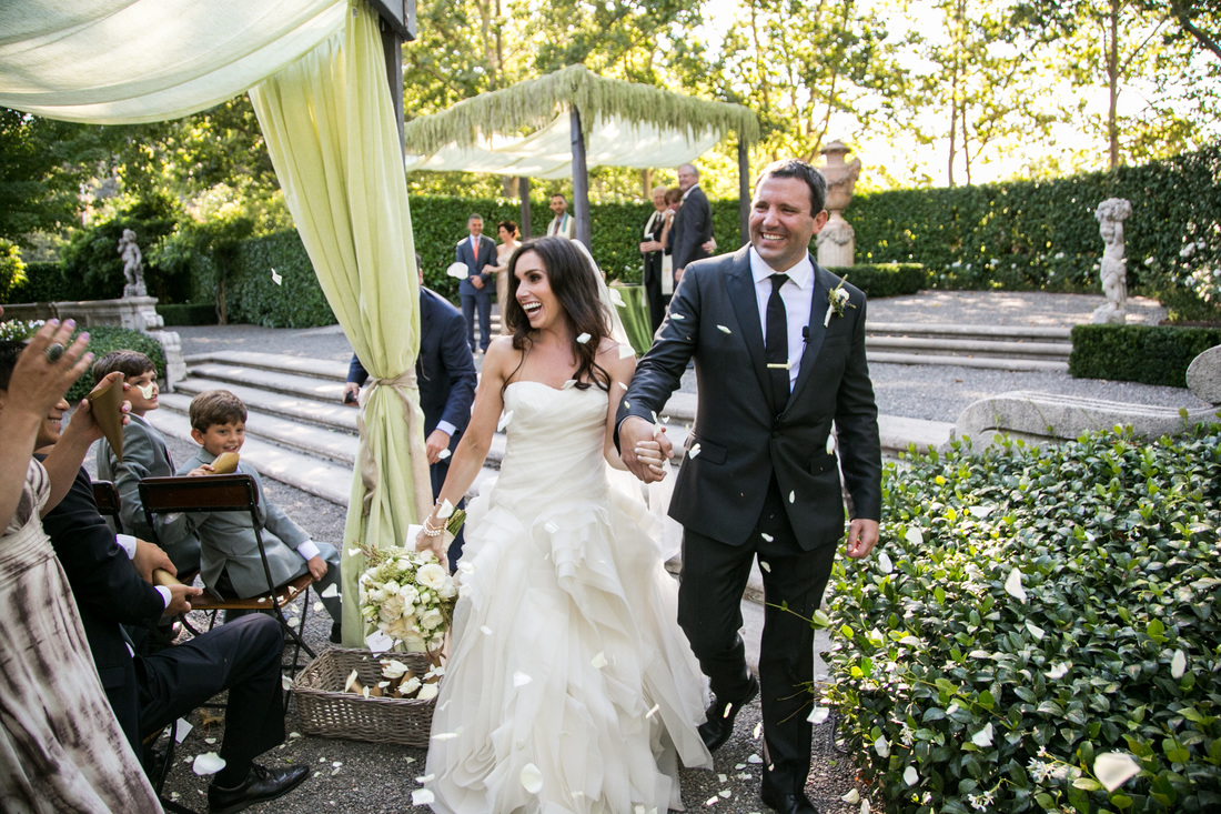 Just Married, Petal Toss, Chuppah Ideas, Wedding Couple, Amaranthus, www.rosemaryevents.com, Photo by Samuel Lippke