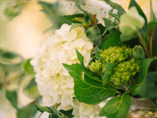 Event Flowers by Sillapere at Rosemary Events wedding. Photo by Kristen Loken